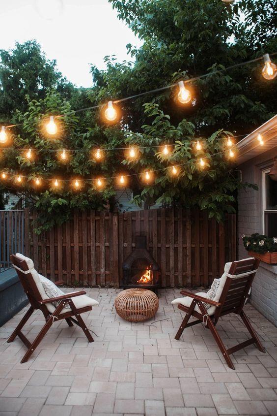backyard sitting area ideas 13