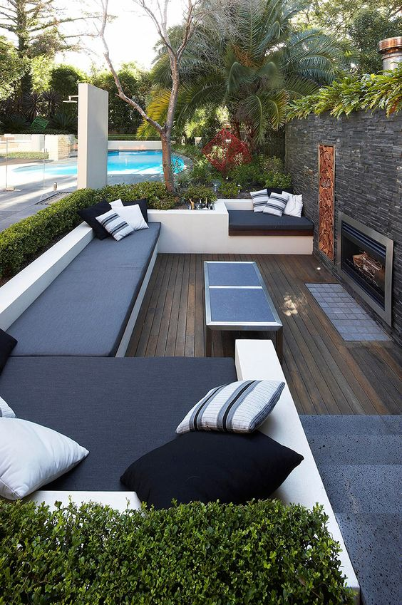 backyard sitting area ideas 16