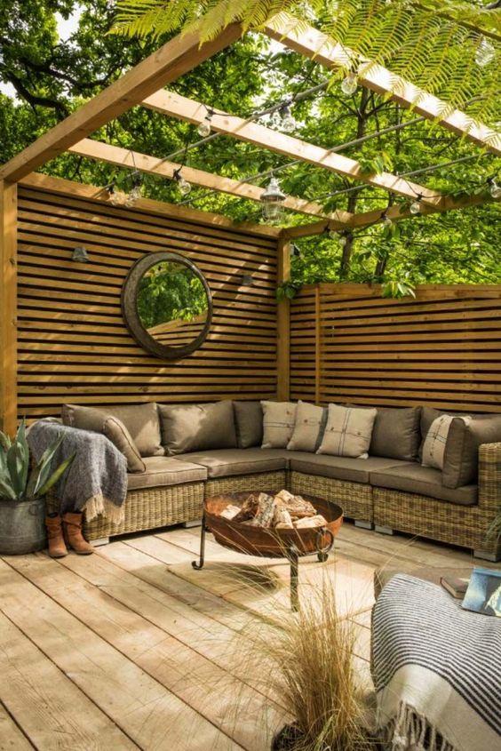 backyard sitting area ideas 4