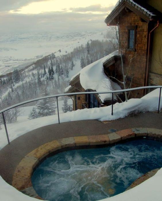 hot tub outdoor 8