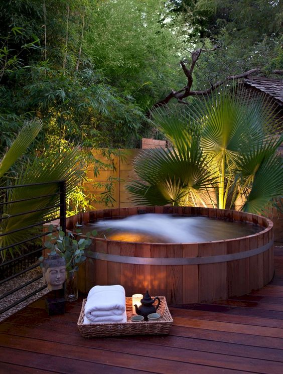 hot tub outdoor 9