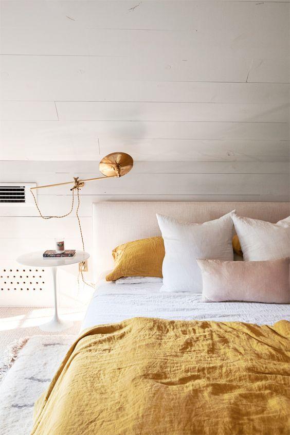 Neutral Bedroom Ideas: Calming Golden Room