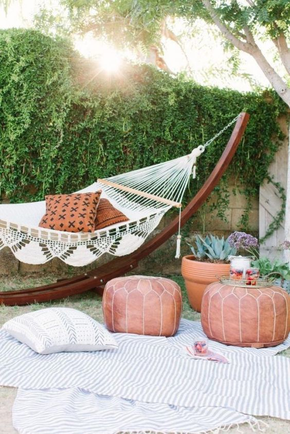 Backyard Hammock Ideas: Stylish Hammock