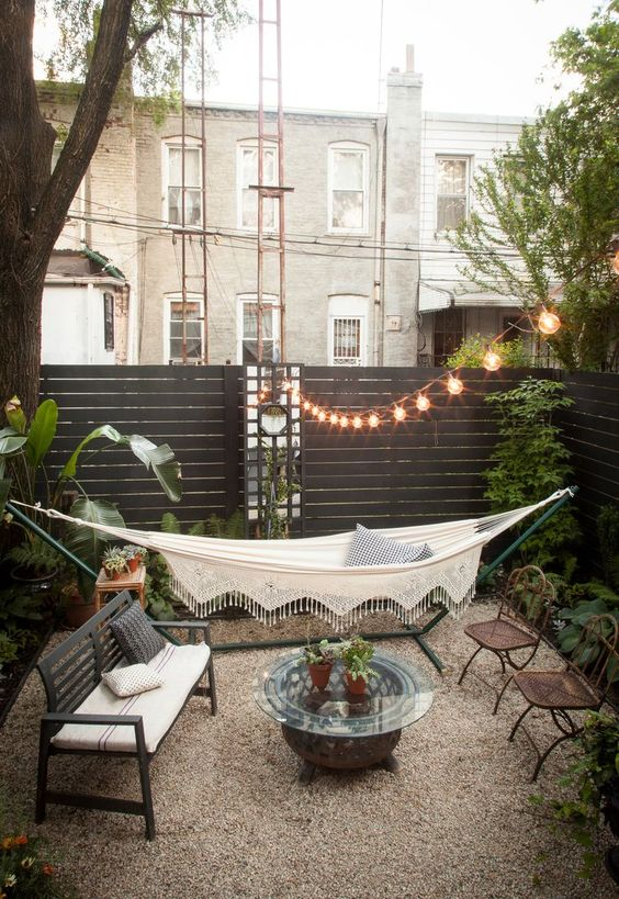 Backyard Hammock Ideas: Cozy Backyard