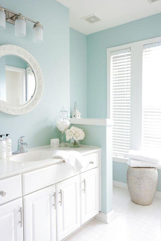 Bathroom Blue Ideas: Calming Light Blue