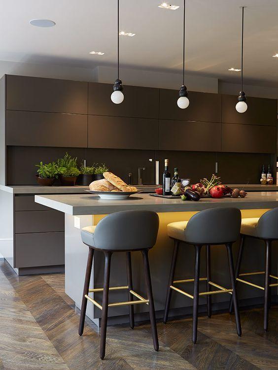 Dark Kitchen Ideas: Elegant Black and Gray