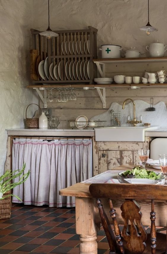 Kitchen Shelves Ideas: Classic Vintage Shelf