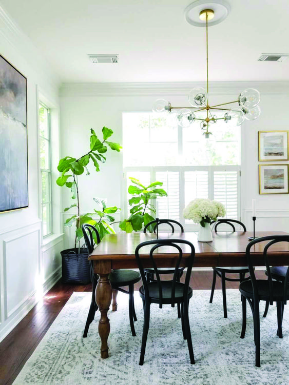 White Dining Room Ideas: Classic Dining Room