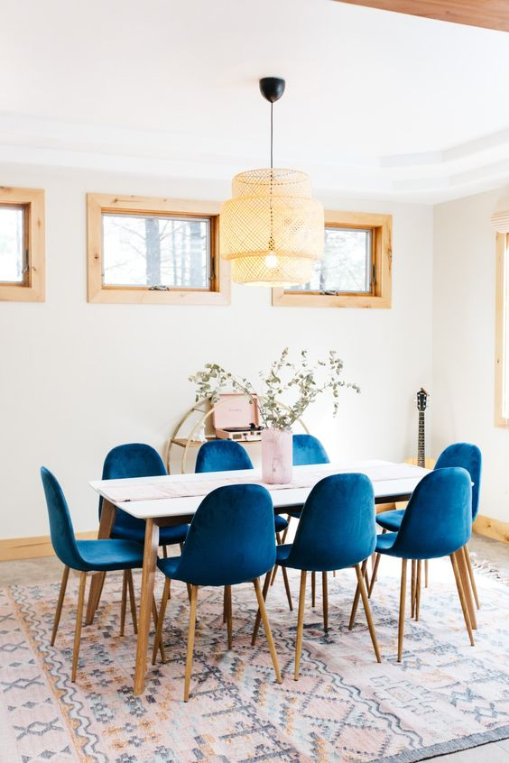 White Dining Room Ideas: White and Blue