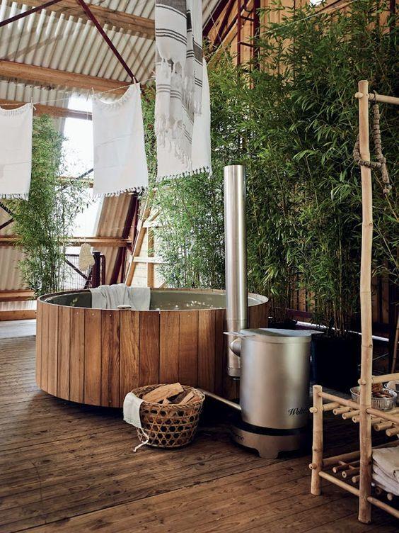 Cedar Hot Tub: Modern Cedar Tub