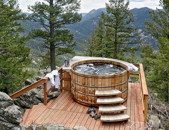Rustic Cedar Hot Tub Ideas for Natural Atmosphere