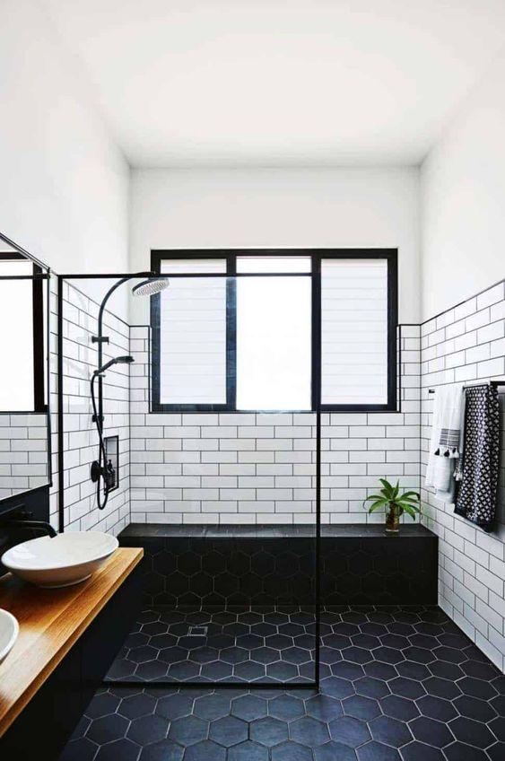 Bathroom Black Ideas: Classic Black and White