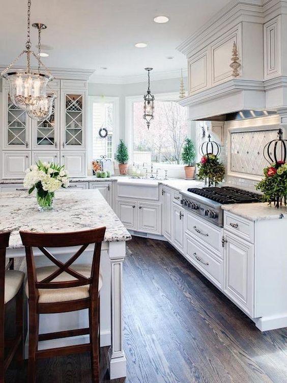 Farmhouse Kitchen Ideas: Breathtaking All-White Kitchen
