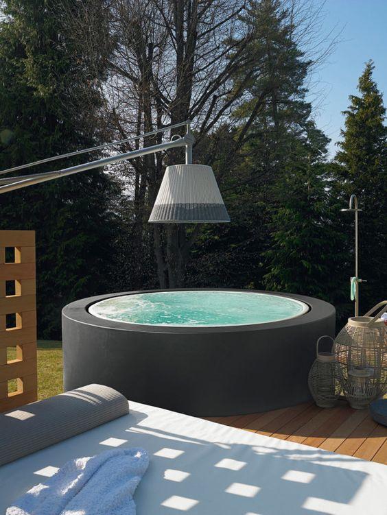 Hot Tub Ideas: Captivating Black Tub