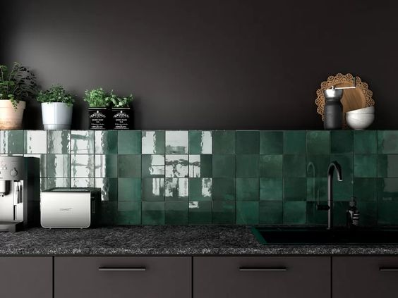 Make Your Kitchen Shine with These Kitchen Tiles Ideas
