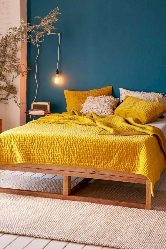 Yellow Bedroom Ideas: Navy and Yellow
