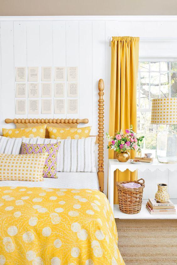 Yellow Bedroom Ideas: Elegant Yellow Bedroom