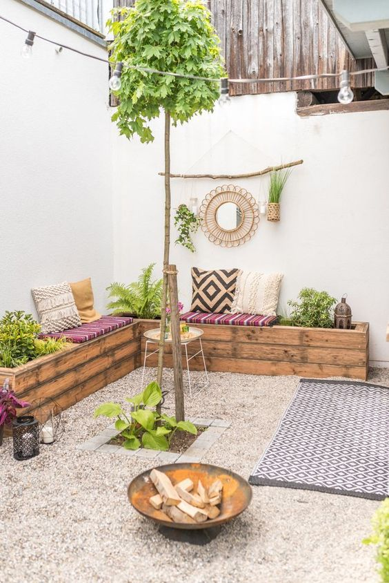 Backyard Patio Ideas: Cozy Gravel Patio