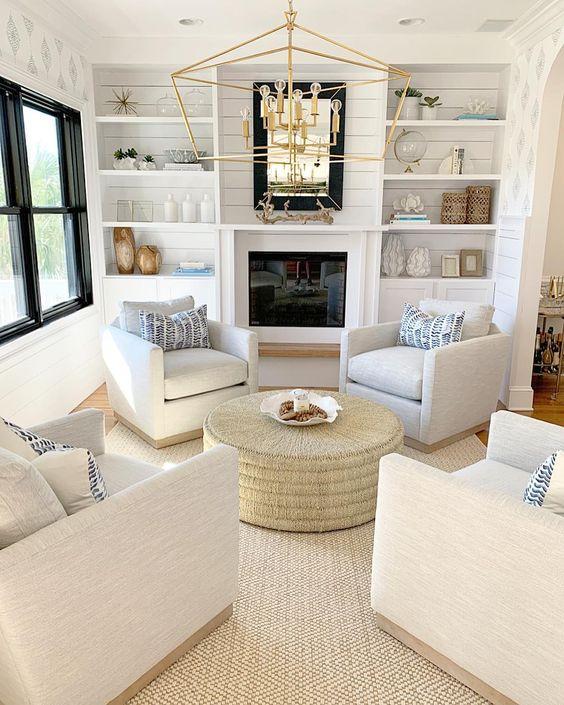 Farmhouse Living Room Ideas: Lovely Simple Area