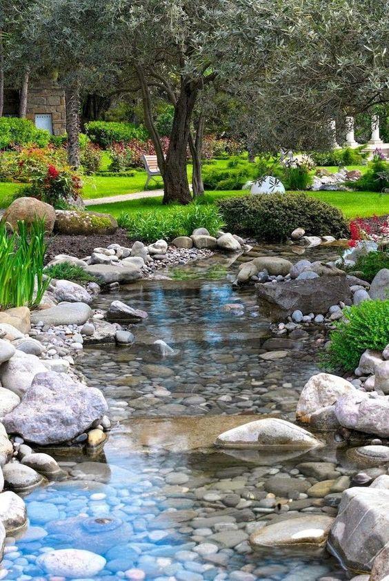 Backyard Water Feature Ideas 17