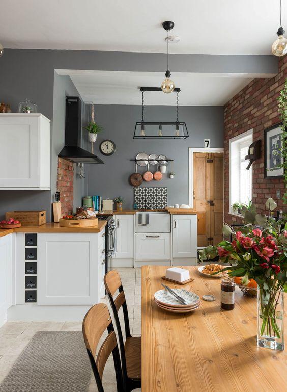 Open Kitchen Ideas: Minimalist Rustic Kitchen