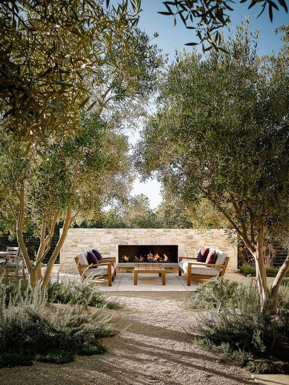 Backyard Fireplace Ideas: Cozy Open Area