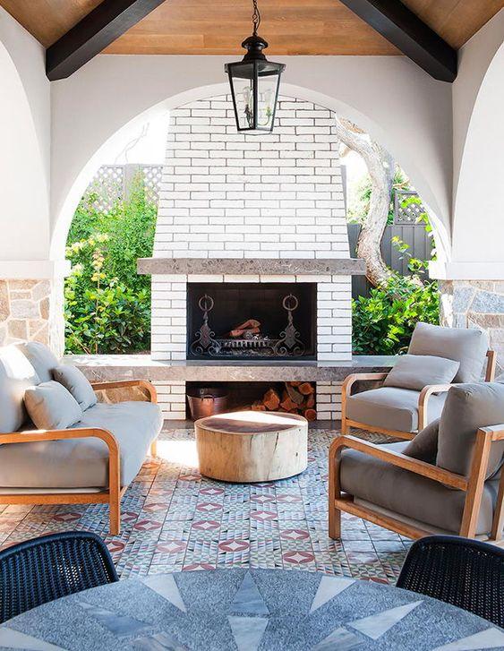 Backyard Fireplace Ideas: Elegant Neutral Outdoor