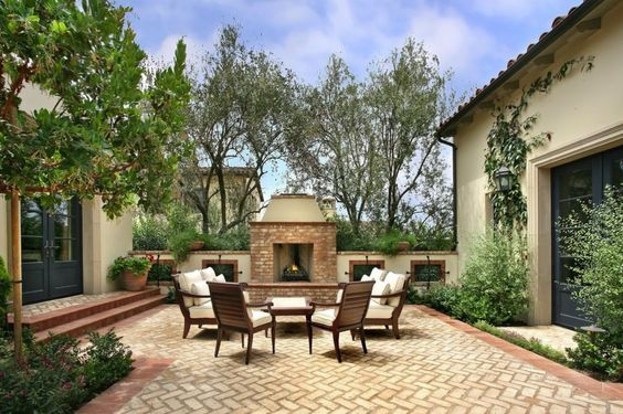 Exhilarating Backyard Fireplace Ideas to Warm Your Outdoor Area
