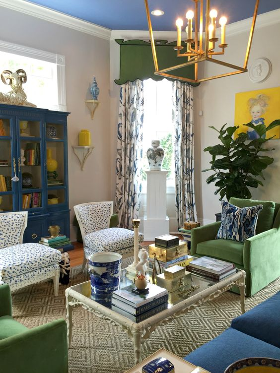 Traditional Living Room Ideas: Striking and Playful