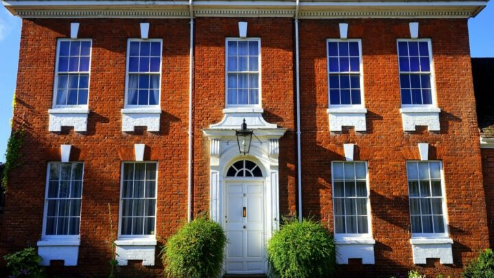 Top Reasons Why Steel Windows Are Still an Optimum Choice for Any Property